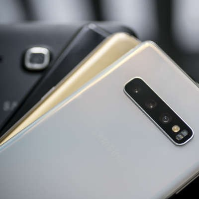 Taking a Look at Budget Smartphone Offerings from Samsung, Apple, and Google